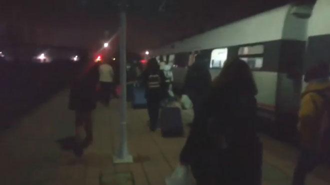 Extremadura esclata després de 4 avaries de trens amb passatgers tirats al mig del camp