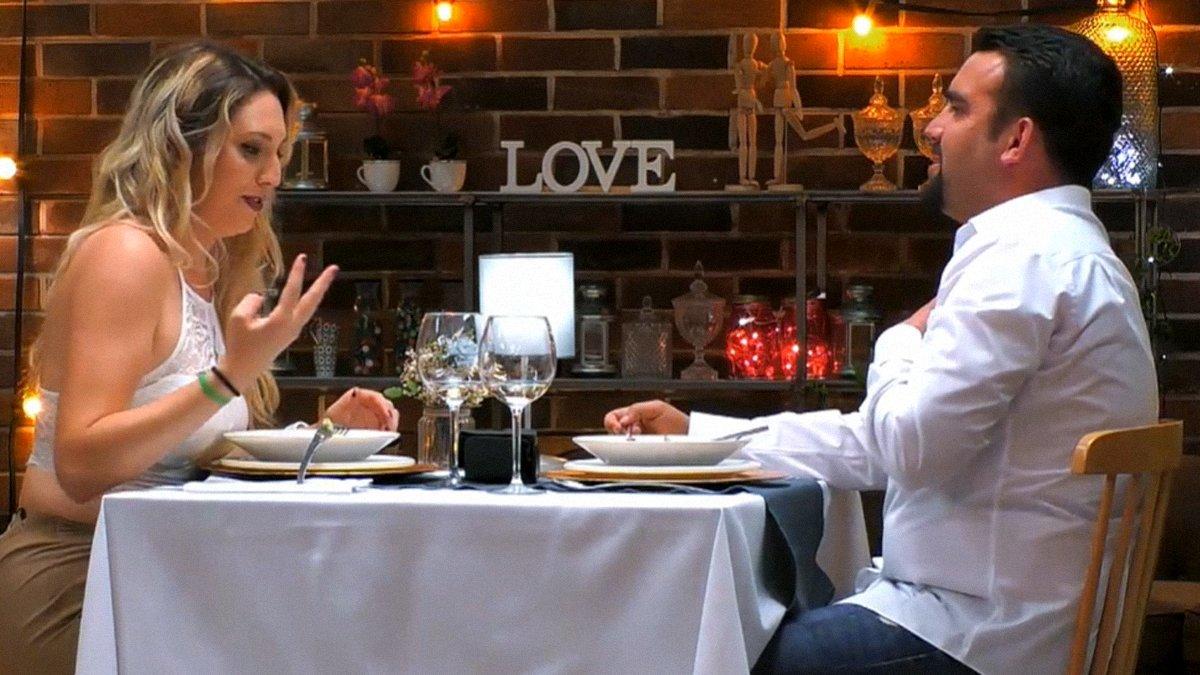"""Un comensal de 'First dates' la lía con la edad de su cita: """"Vaya puñalada"""""""