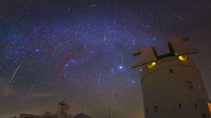 Gemínidas sobre el Observatorio del Teide.