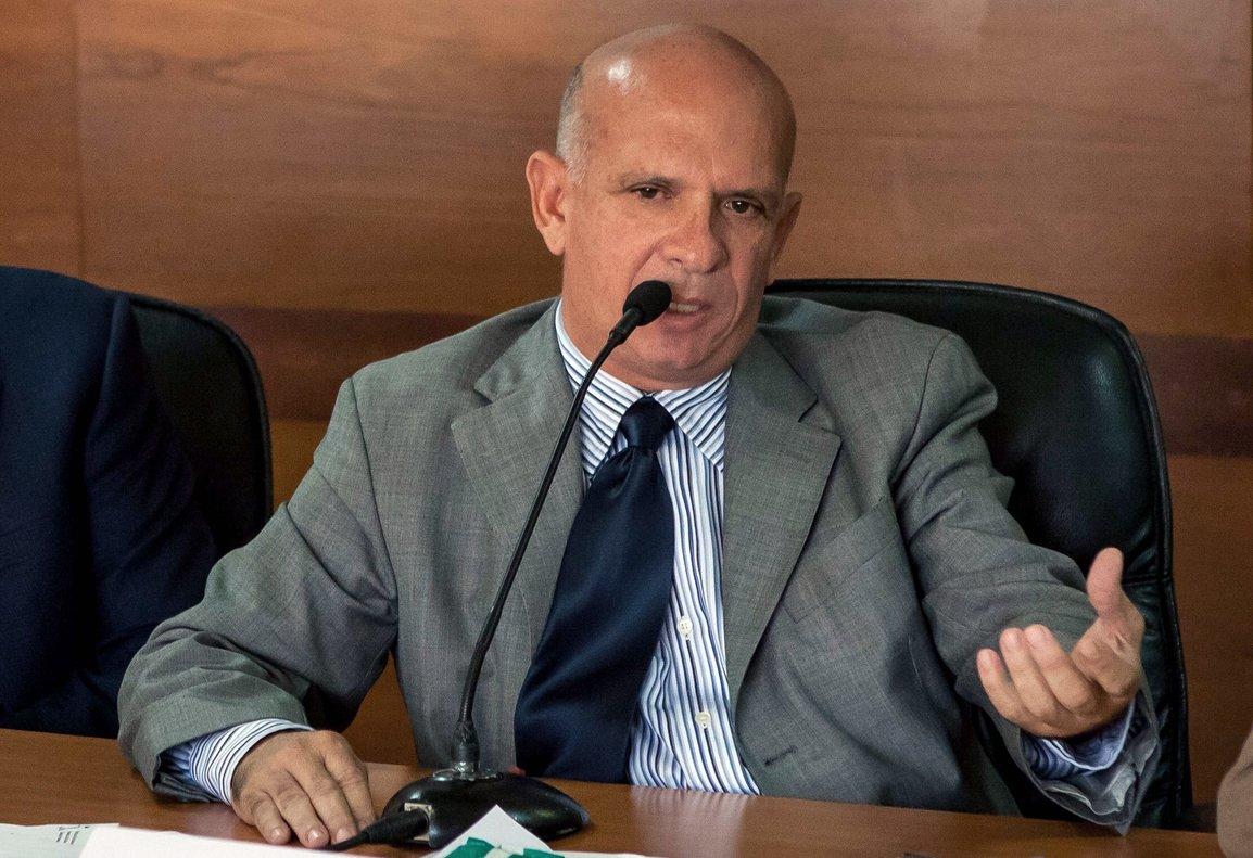 El también exjefe de contrainteligencia militar dijo que el rearme de las FARC demuestra la gran preocupación del madurismo, porque saben que están acorralados.