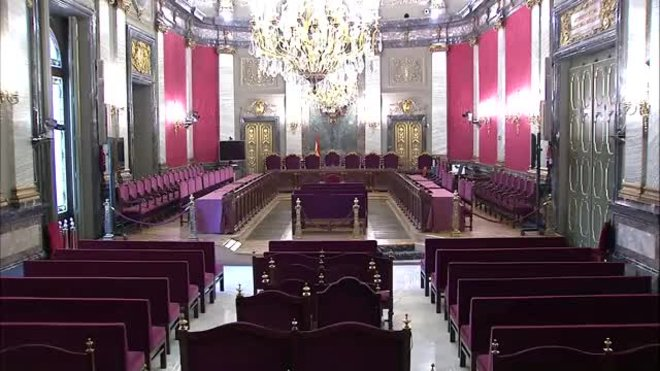 Imágenes de la sala de plenos, vacía, donde se celebrará el juicio del 1-O, a partir del 12 de febrero, en el Tribunal Supremo.