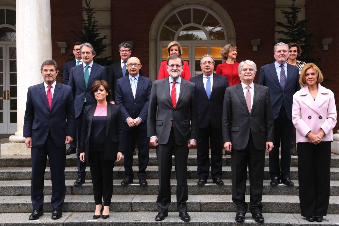 Foto del Consejo de Ministros con el nuevo titular de Economía, Román Escolano , el último de la izquierda en la tercera fila.
