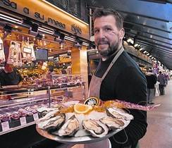Jerome Etchalus, en el Joëls Oyster Bar de la plaza de Sant Josep.