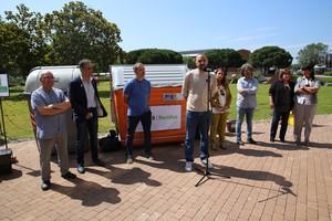 Josep Puigdengolas, regidor de medio ambiente de Sant Boi, durante el acto de presentación del nuevo modelo de recogida de residuos