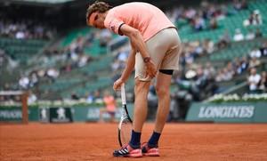 Zverev s'acomiada de Roland Garros lesionat davant de Thiem
