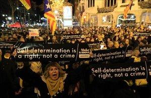 Miembros de la ANC en una protesta frente a la sede de la Comisión Europea (CE) en Barcelona.
