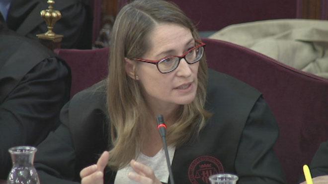 Juicio del 'procés'. Marina Roig afirma que la unidad de España no puede contradecir los derechos fundamentales.