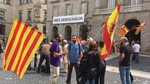 «¿A qué viene ahora hablar en catalán?»