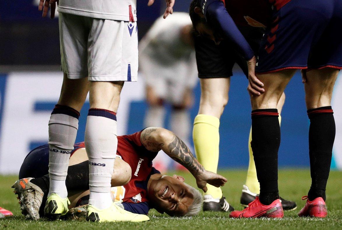 Gravísima lesión del delantero de Osasuna 'Chimy' Ávila