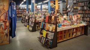 Interior de la librería Norma Comics, en el paseo de Sant Joan de Barcelona.