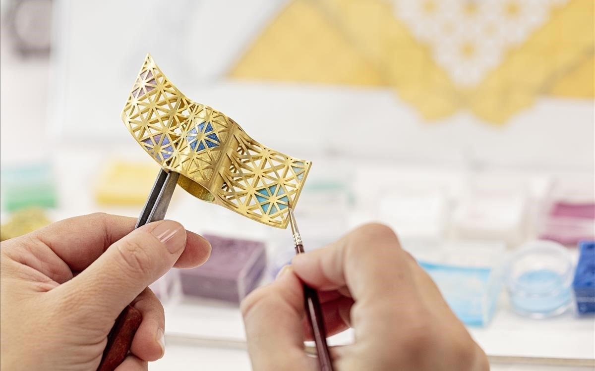 Detalle de la pieza única realizada en los talleres de Masriera.