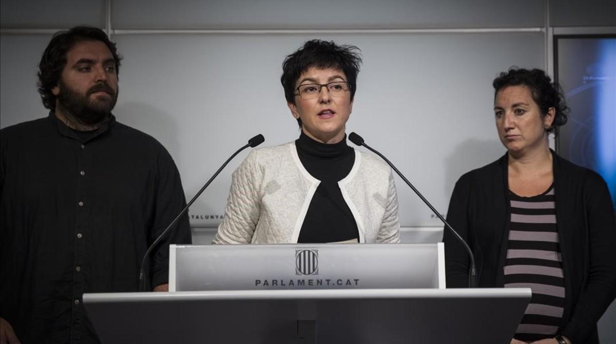 Los diputados del PSC Ferran Pedret, Eva Granados y Alicia romero, en en Parlament.