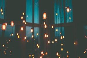 La unión hace la fuerza: se puede ahorrar en la factura la luz con compras colectivas