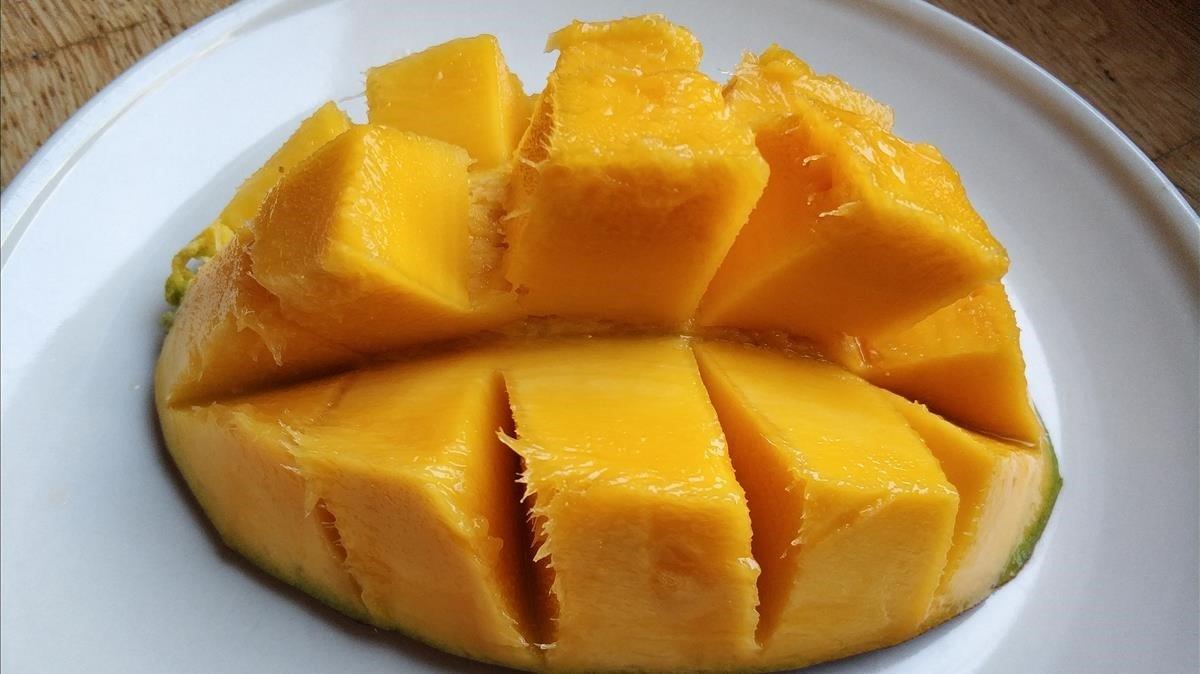 Un mango de tamaño extra.
