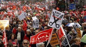 Manifestación contra la reforma laboral y los recortes, en Madrid.