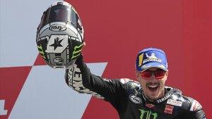 Maverick Viñales (Yamaha) celebra su victoria en el GP de Holanda.