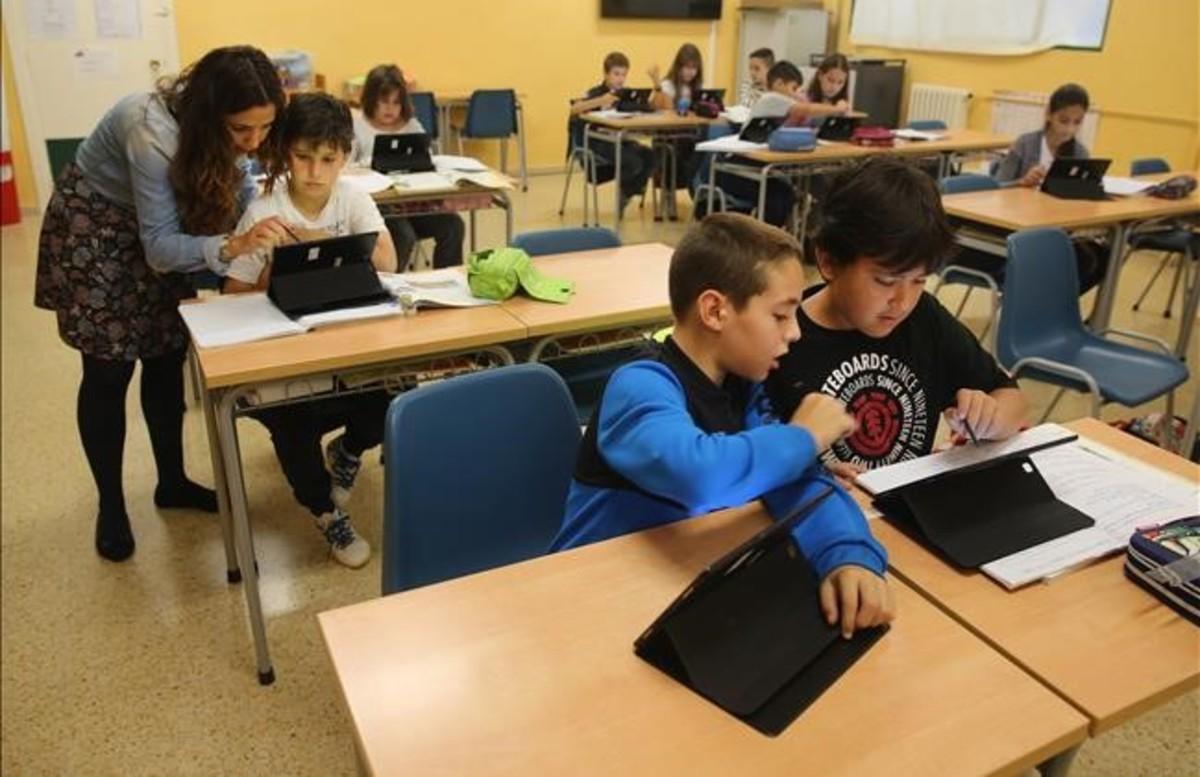 Alumnos en un colegio de Santander.