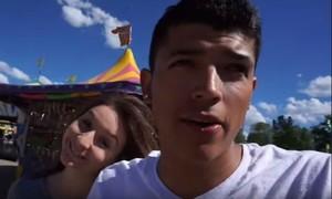 La youtuber con su malograda pareja, antes del dramático desenlace de su vídeo.