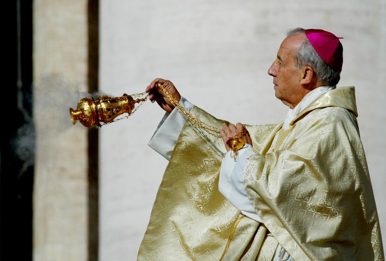 El prelado del Opus Deis, Javier Echevarría, en la canonización de Escrivá de Balaguer, en octubre del 2002 en el Vaticano.
