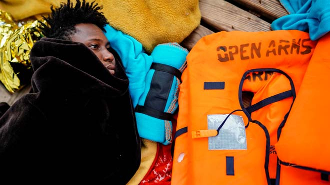 Open Arms alerta del estado crítico de las 73 personas rescatadas en Mediterráneo.