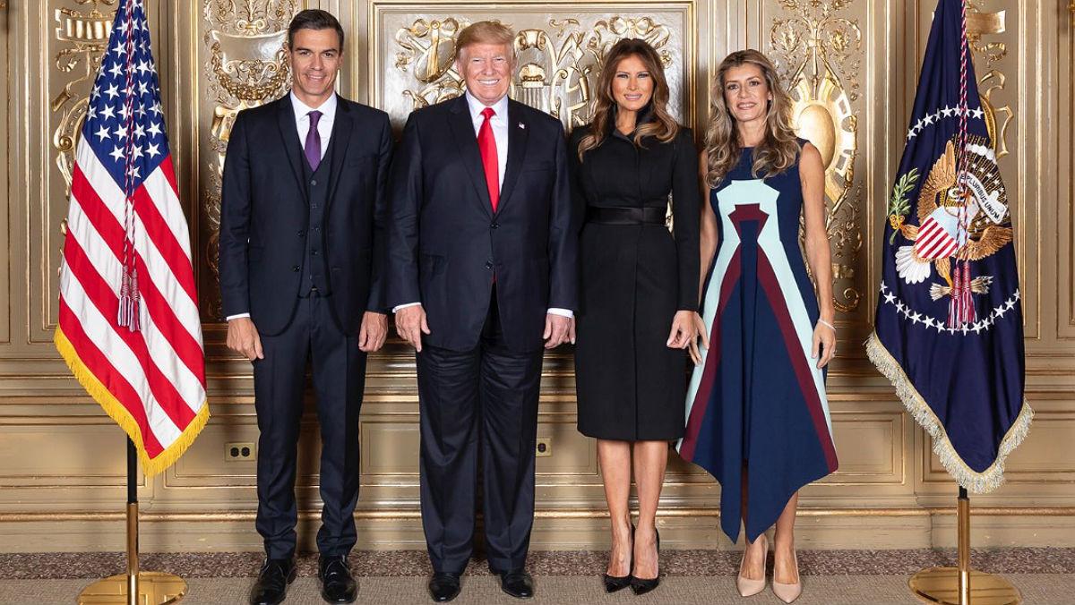 Pedro Sánchez, junto a Donald Trump, su esposa, Melania, y la mujer del presidente del Gobierno español, Begoña Gómez, enla recepción de jefes de Estado y de Gobierno ofrecida por el presidente de EEUU en Nueva York.