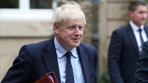 El primer ministro británico, Boris Johnson, tras reunirse con su homólogo de Luxemburgo, este lunes.
