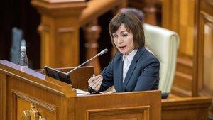 La primera ministra de Moldavia, Maia Sandu, habla en el Parlamento durante el debate de la moción de censura, este martes.