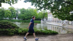 """Así fue la """"buena caminata"""" de Rajoy antes de ir a trabajar: el presidente tacha Polonia de su lista de andar rápido"""