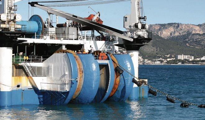 Cable submarino. Obras de conexión eléctrica entre la península y las Islas Baleares.