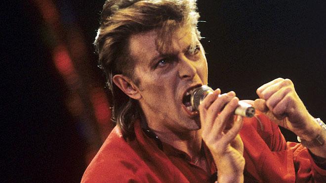 Un repàs de la vida de David Bowie.