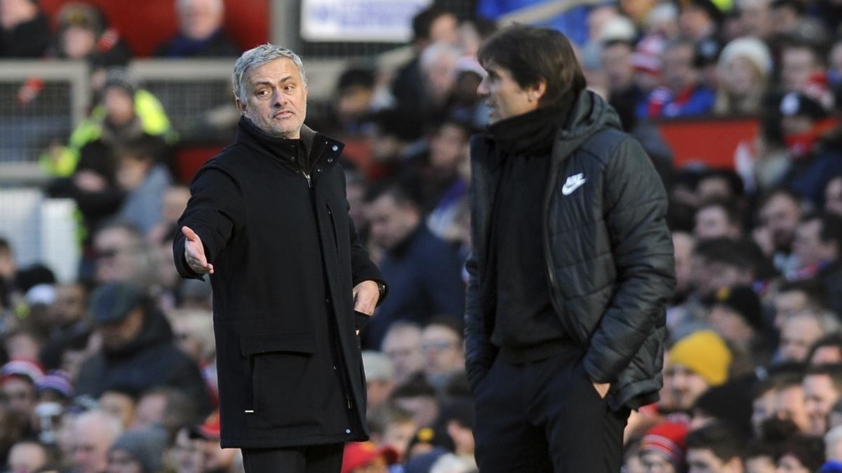Mourinho y Conte, este domingo en el duelo de Old Trafford de la Premier.