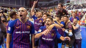 Ferrao, el primero por la izquierda, y otros jugadores del Barça celebran el título de la Copa del Rey.
