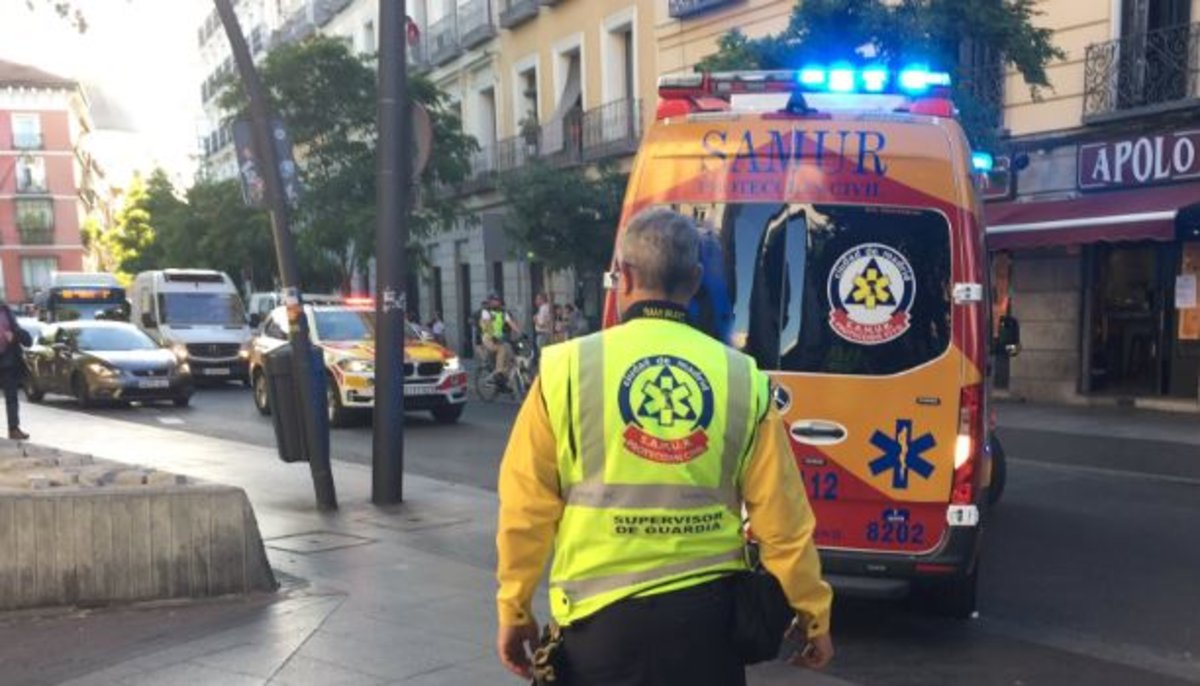 Desvalijan a un hombre tras morir de un infarto en una calle de Vicálvaro