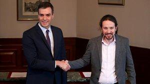 Sánchez e Iglesias, antes de firmar el preacuerdo de Gobierno, el 12 de noviembre.