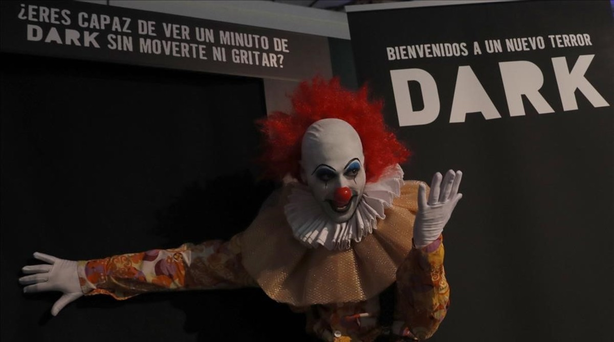 El payaso diabólico presenta el nuevo canal de terror Dark, en el pasado Festival de Series, celebrado en Madrid.