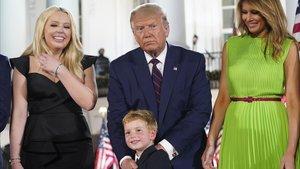 El presidente Trump, junto a sus hijos y esposa, durante la convención nacional republicana.