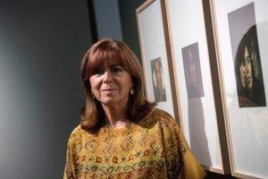 GRAF5679. BARCELONA, 17/07/2019.- La cantante Maria del Mar Bonet en la exposición que se organiza en el Palau Robert, del fotógrafo Toni Catany, sobre la cantante mallorquina, hoy miércoles en Barcelona. EFE/Marta Pérez