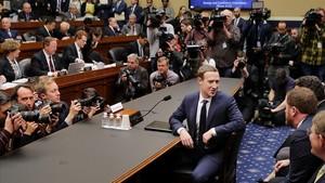 El Congrés pressiona Zuckerberg amb preguntes més dures