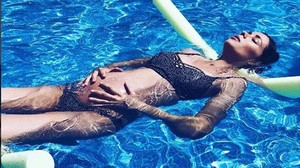 Dafne Fernández presume de embarazo en su cuenta de Instagram.