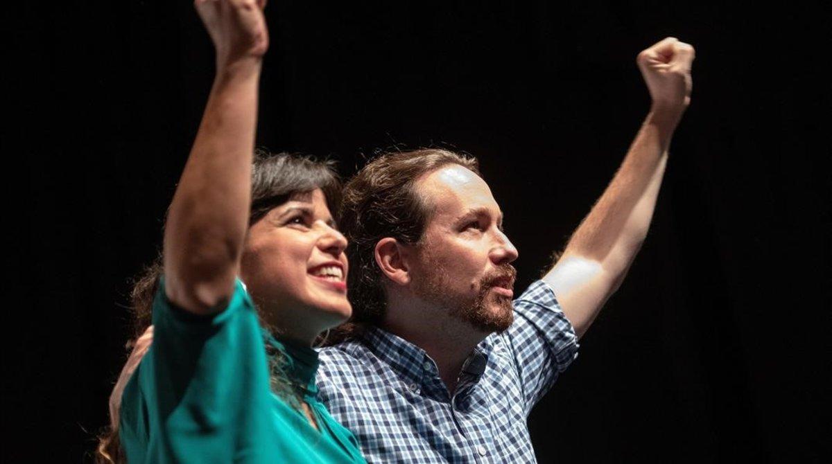Iglesias pressiona Sánchez amb una consulta i la seva líder andalusa es rebel·la