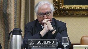 Castells anuncia una reducció de les taxes universitàries