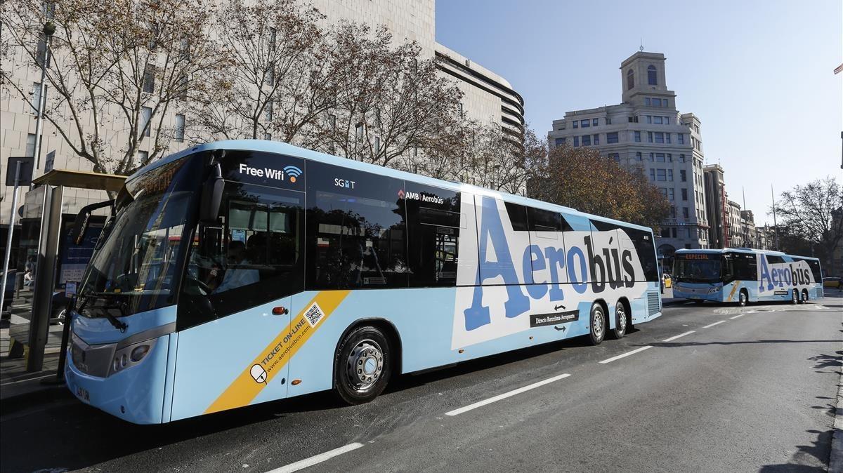 Un vehículo de la flota del Aerobus.