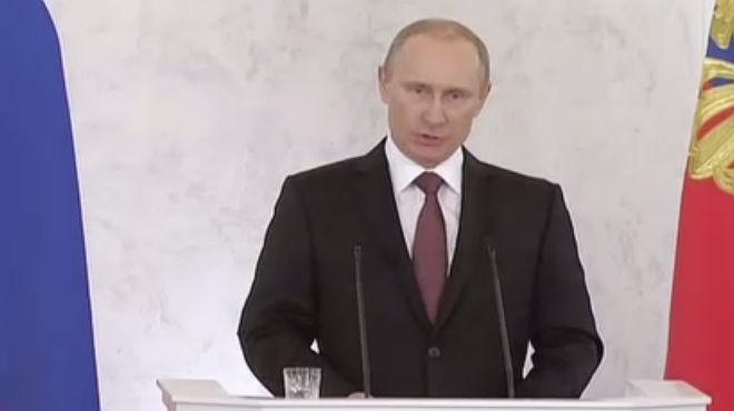 El president rus fa un discurs davant els parlamentaris per la unió de Crimea al seu país.