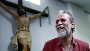 Willy Toledo, en la parroquia de San Carlos Borromeo de Madrid