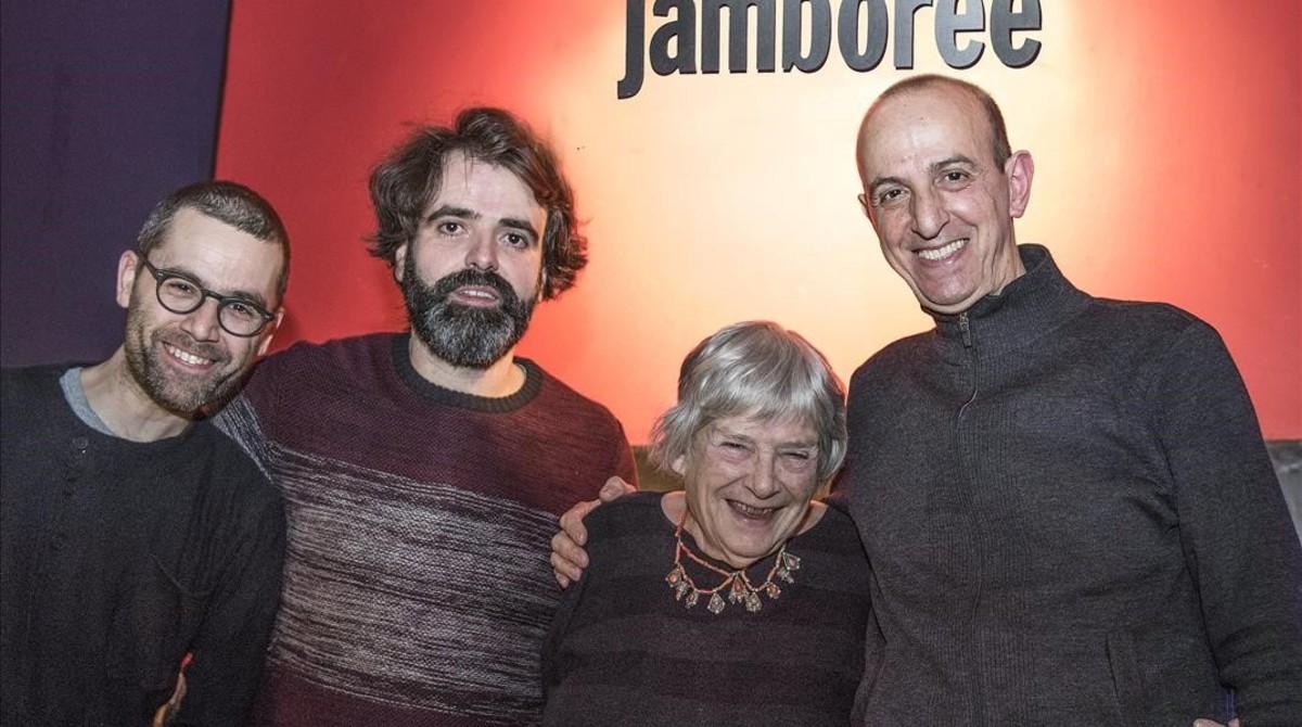 Marianne Brull, con los miembros de Liquid Trio (de izquierda a derecha, Ramon Prats, AlbertCirera y Agustí Fernández).