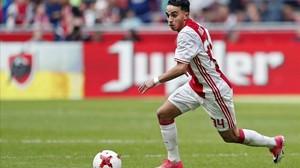 El jugador de l'Ajax Abdelhak Nouri surt del coma