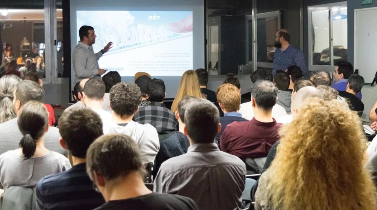 Una reunión de la Barcelona Bitcoin Community, este jueves.
