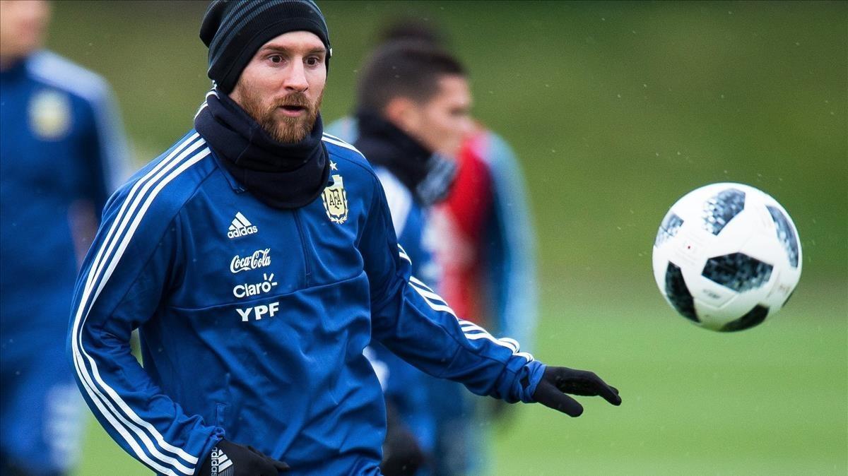 Entrenamiento de Argentinaen Manchester con Messi al frente.