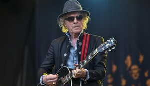 Ian Hunter, al frente de Mott the Hoople, en el Azkena Rock Festival del 2018.