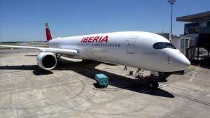 Un avión Airbus 350-900 de la compañía Iberia.